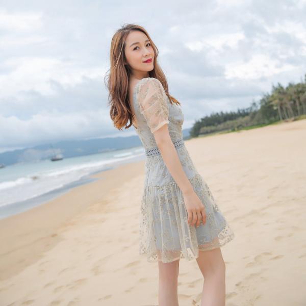 夏季复古ins风格网红SP同款 短袖大圆领香槟色蕾丝绣花钉珠连衣裙